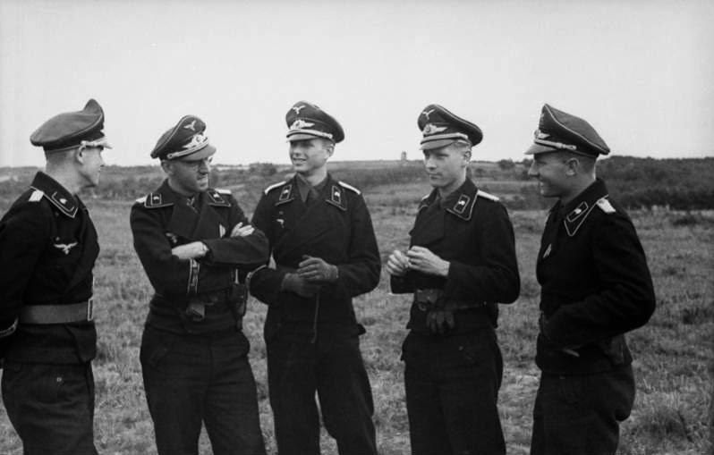 Panzer dans la Luftwaffe - Page 3 252510