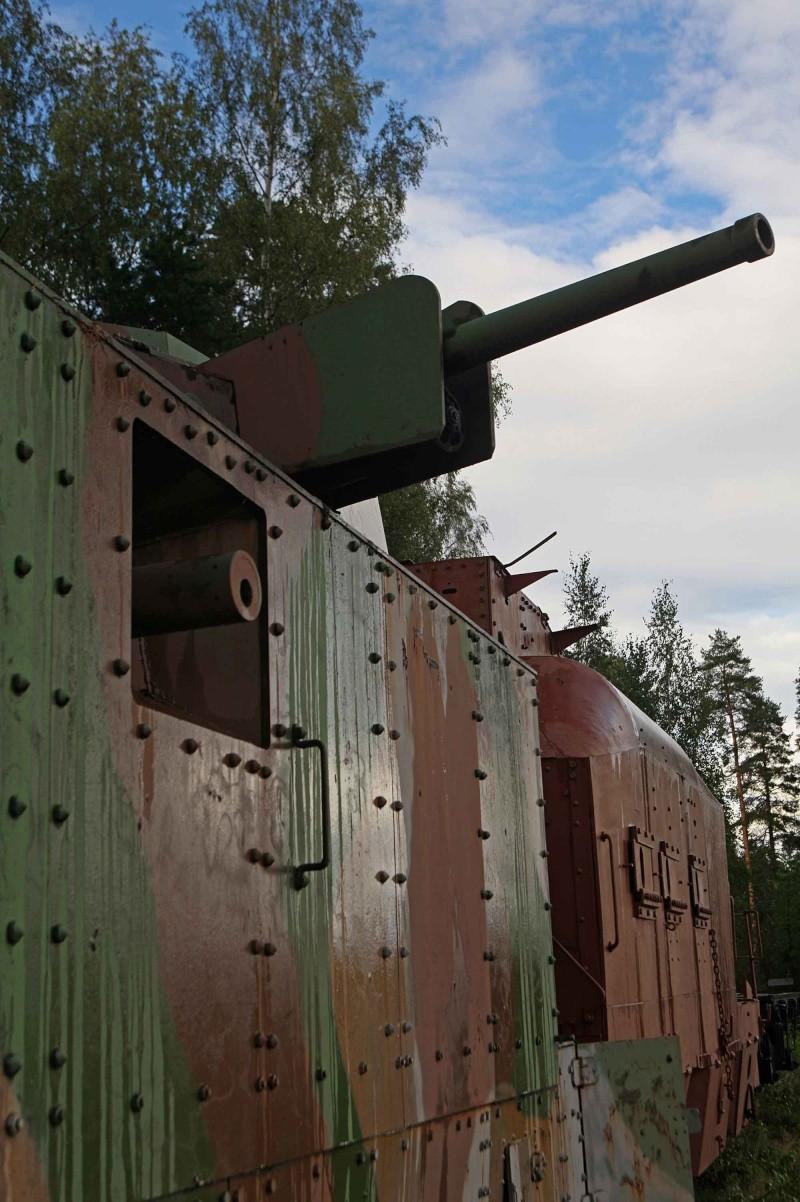 Musée des Blindés de Finlande et autres vestiges de guerre B110