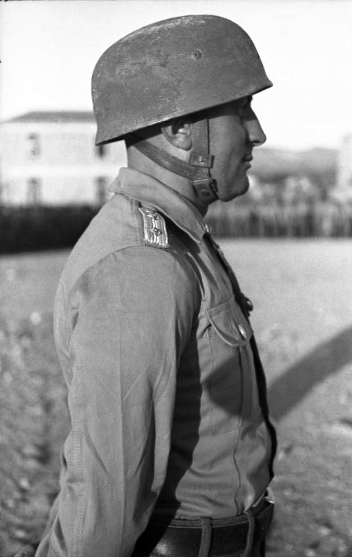 La chemise de la Luftwaffe Dd11