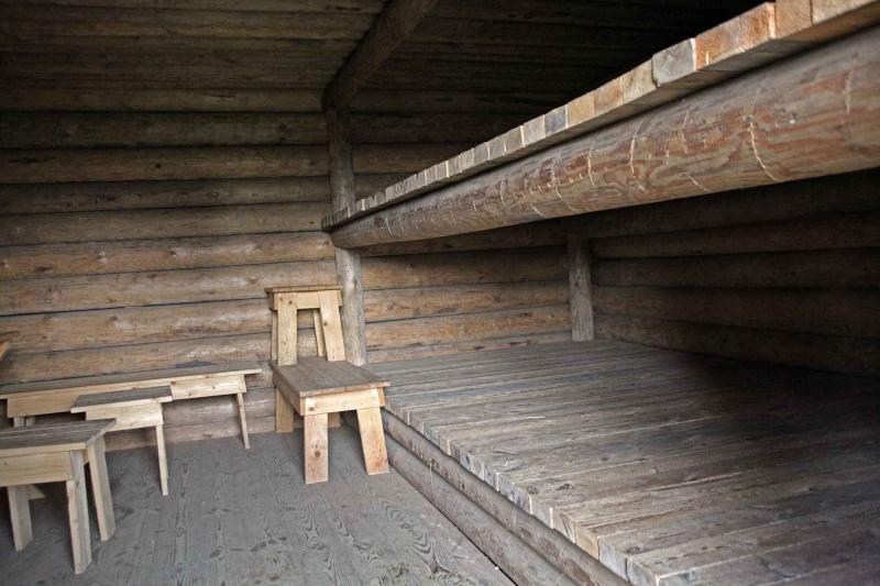 Musée des Blindés de Finlande et autres vestiges de guerre - Page 2 Erghei10