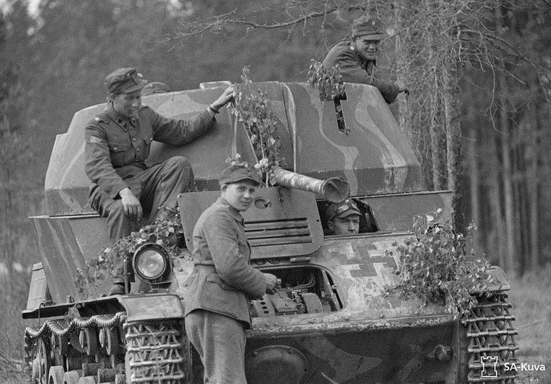 Musée des Blindés de Finlande et autres vestiges de guerre Ezf10