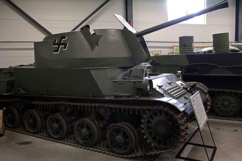 Musée des Blindés de Finlande et autres vestiges de guerre Fyujgf10