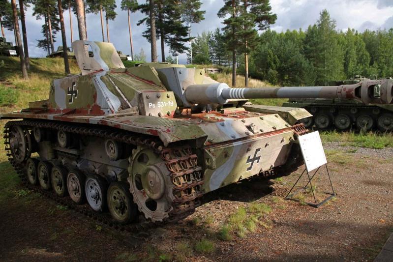 Musée des Blindés de Finlande et autres vestiges de guerre - Page 2 Gguk10