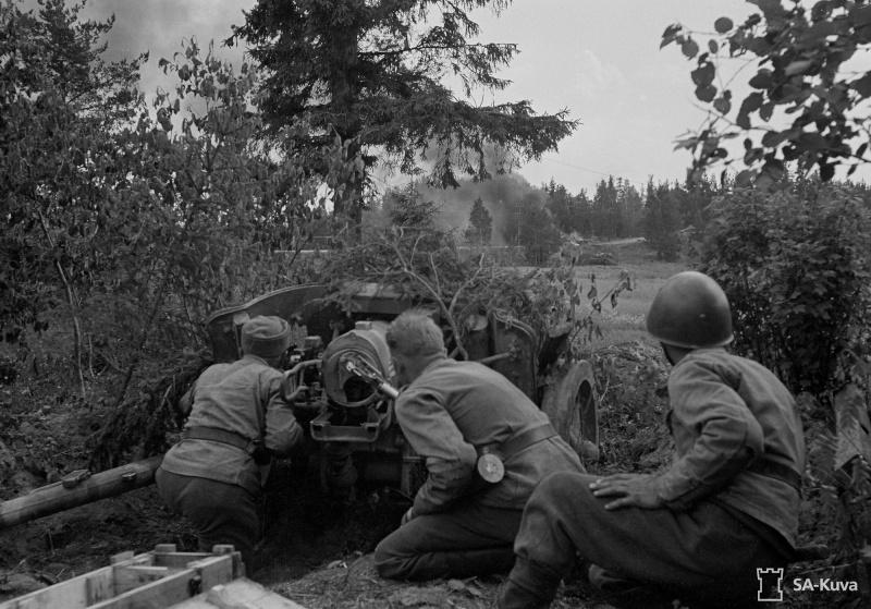 Musée des Blindés de Finlande et autres vestiges de guerre - Page 2 Pak10