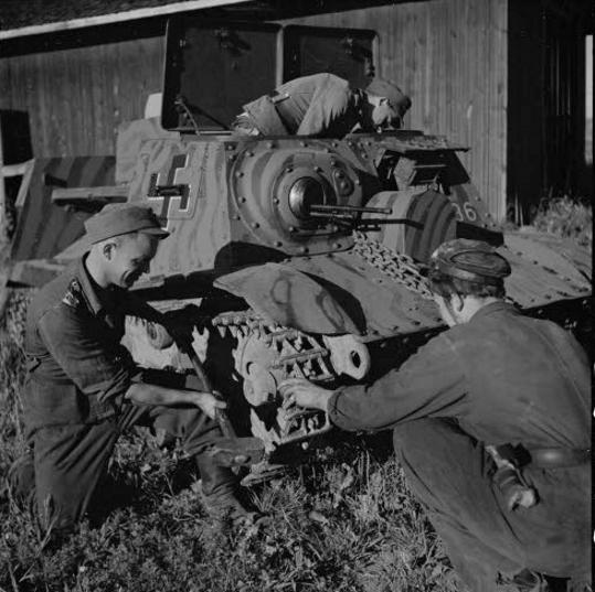 Musée des Blindés de Finlande et autres vestiges de guerre - Page 2 T202210