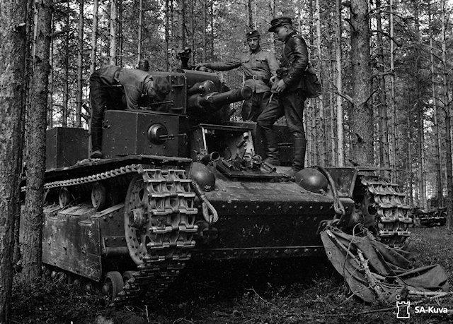 Musée des Blindés de Finlande et autres vestiges de guerre - Page 2 T28c10