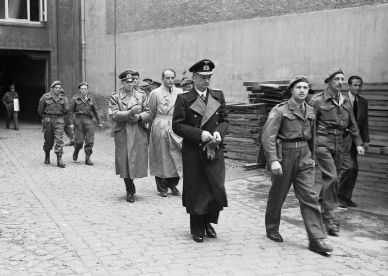 1945, la Wehrmacht et l'armée américaine attaquent l'Union Soviétique ! - Page 4 The_se10