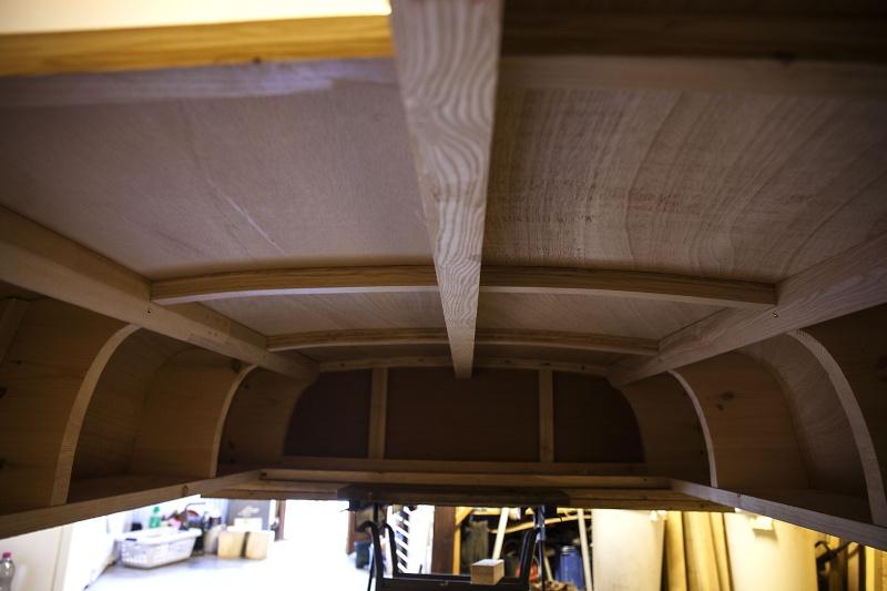[fabrication] Un toit de roulotte de bohème - Page 11 Dessou10