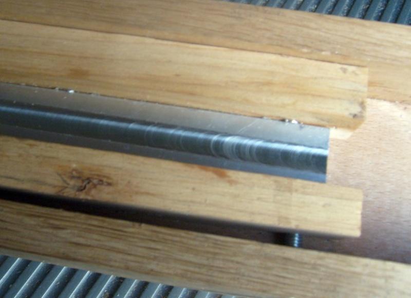 Usinage métaux tendre à la défonceuse, comment faire ? S6300936