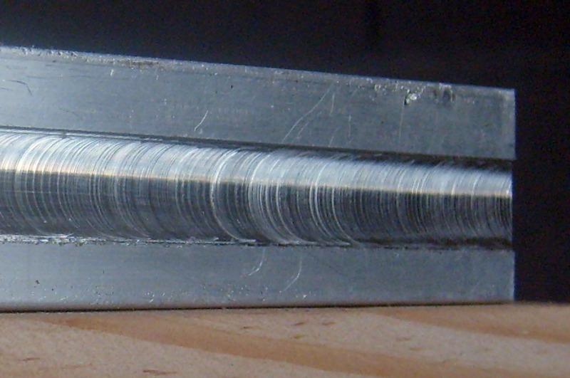 Usinage métaux tendre à la défonceuse, comment faire ? S6300937