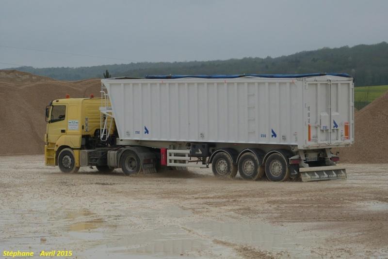 TLT (Terrassement Location Transport) (Le Pilaout  Saint Lyé) (10) P1320127