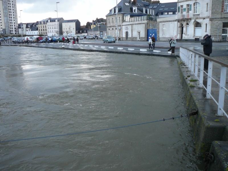 [Activité des ports hors Marine] LE PORT DE CHERBOURG - Page 15 P1160210