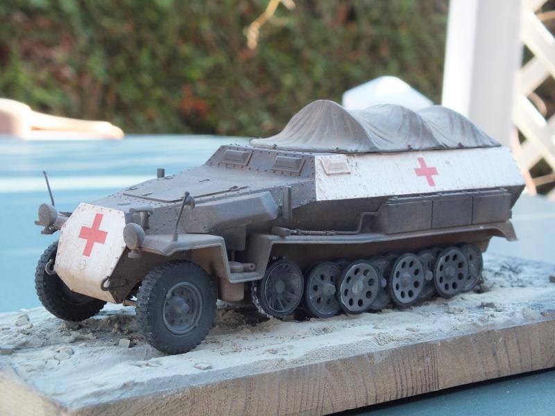 Sdkfz 251-8 C KrankenPanzerWagen base Dragon Sdkfz 251/1 C réf : 6246 Dscf7718