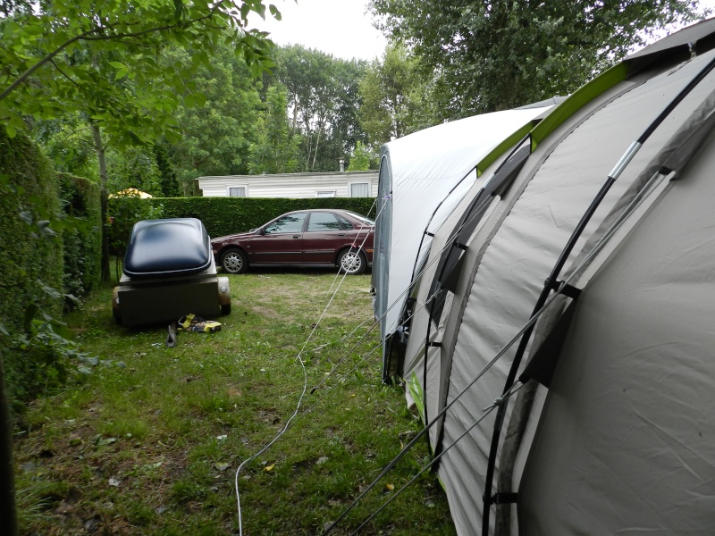 Quechua T6.2 XL & Coleman event shelter 4.5 x 4.5m Dscn0512