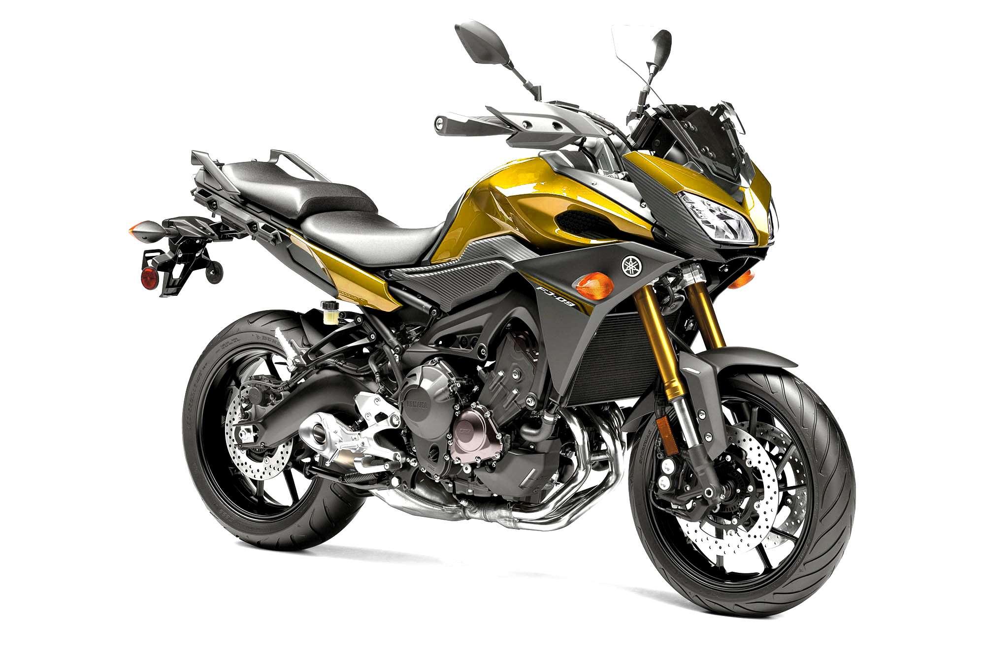Yamaha décline la Tracer en version Racing !! 09_gol10