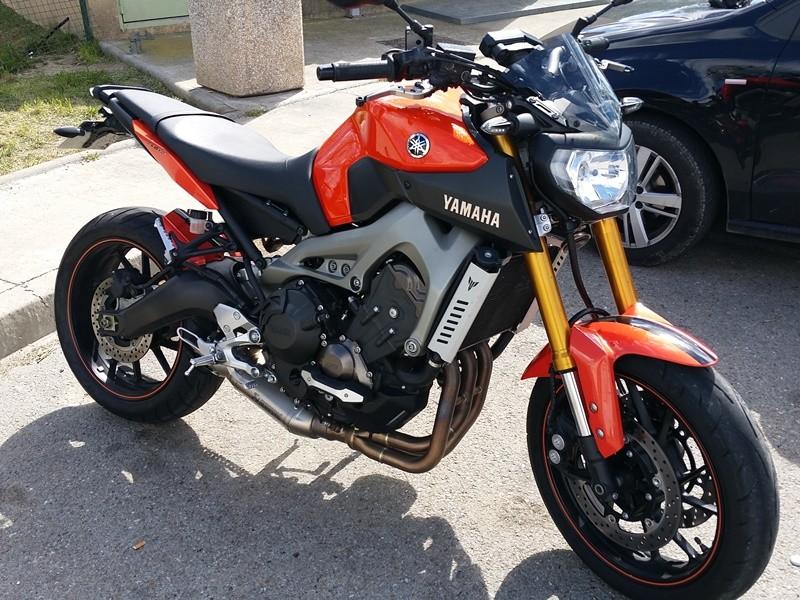 Photos de toutes les Yamaha MT-09 du forum ! :) Y_pier10