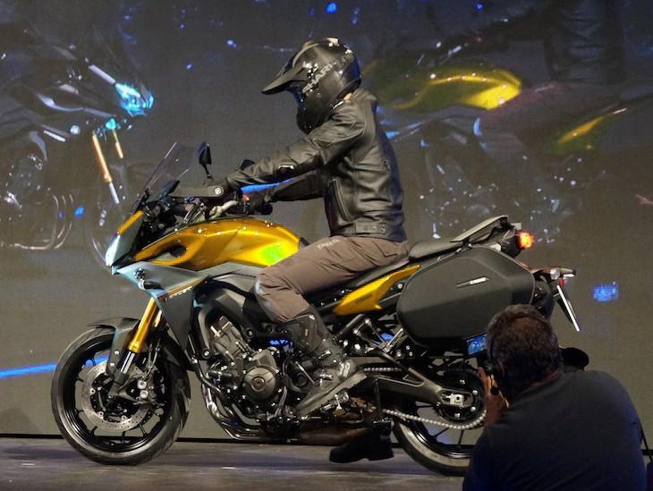 Yamaha décline la Tracer en version Racing !! Yamaha11