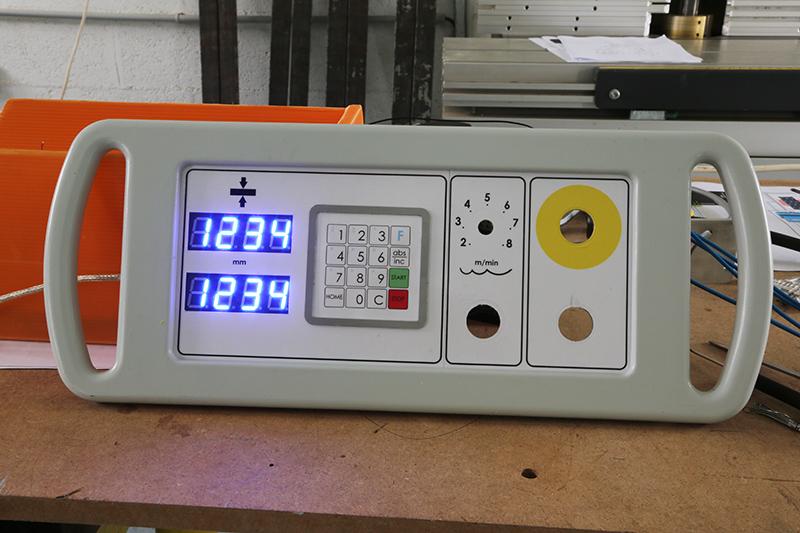 Motorisation table raboteuse (voir p.13) et amélioration R/D Holztech FS320 (première partie)  - Page 24 01_mai14