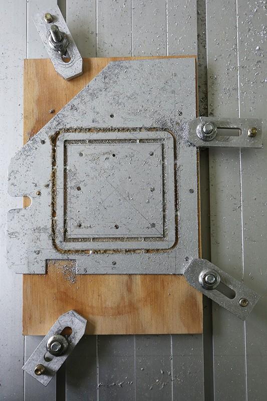 Motorisation table raboteuse (voir p.13) et amélioration R/D Holztech FS320 (première partie)  - Page 21 17_avr10