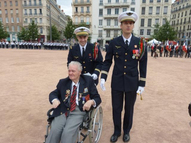 8 mai 2015 remise de la légion d'honneur à M. André Peyronie. 9 mai,  visite de la délégation de l'ambassade de Russie P1040610