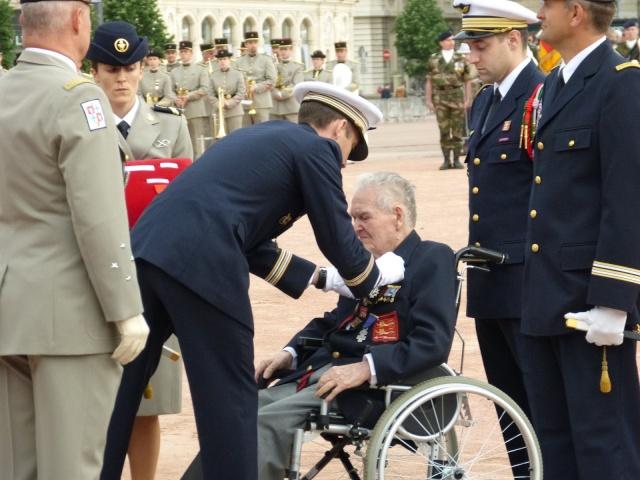 8 mai 2015 remise de la légion d'honneur à M. André Peyronie. 9 mai,  visite de la délégation de l'ambassade de Russie P1040710