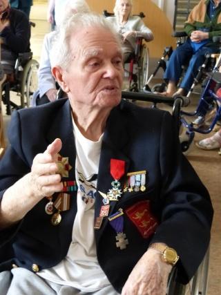 8 mai 2015 remise de la légion d'honneur à M. André Peyronie. 9 mai,  visite de la délégation de l'ambassade de Russie P1040812