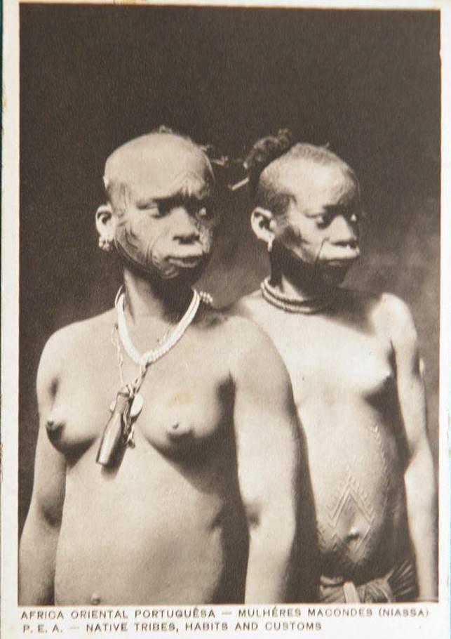 Makonde people, Diviner's Horn (Féticheur), Mtete,  Mueda plateau, southeast Tanzania and northern Mozambique Ragazz10