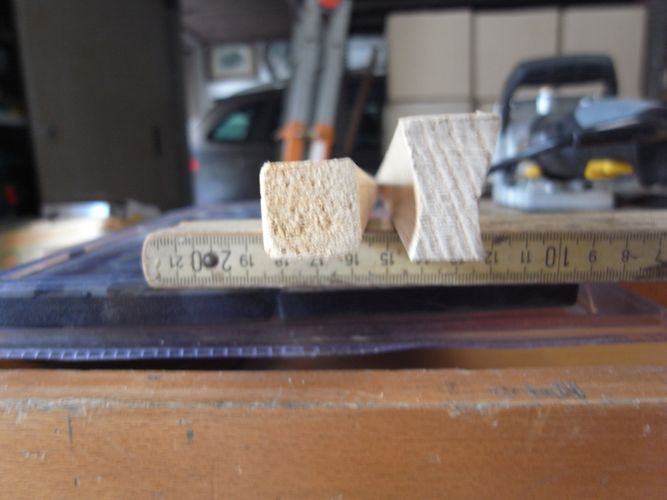 tavolino per bonsai realizzato in economia A12