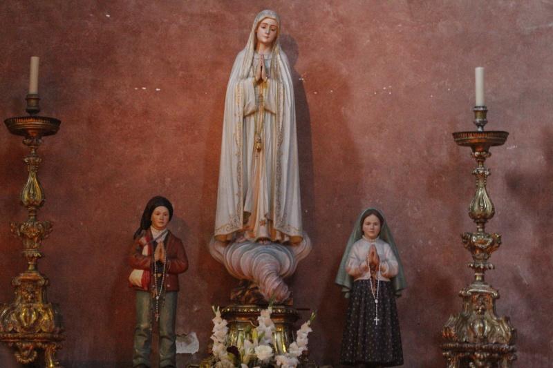 Apparition de Notre Dame à Fatima, le 13 mai 1917 Our_la10