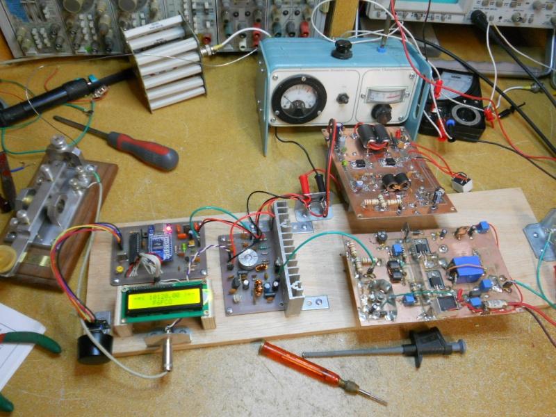 Construction d'une station radio ondes-courtes Dscn3011