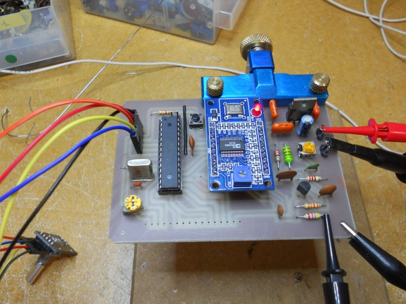 Construction d'une station radio ondes-courtes Vfo210