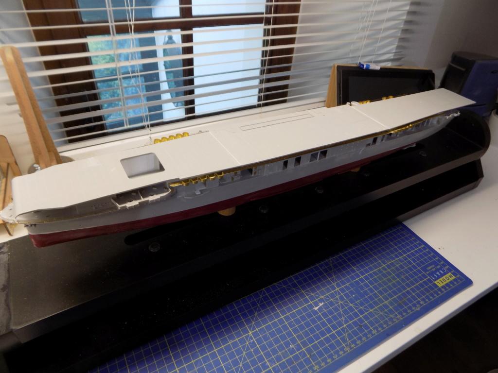 "USS HORNET CV-8 ""Raid on Tokyo"" 1/350 de Trumpeter - Page 4 Dscn1410"