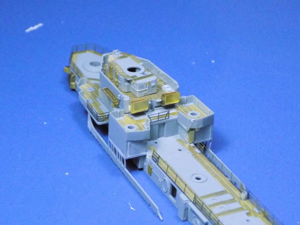 USS Gearing DD-710 1945 Dragon 1/350ème - Page 2 Dscn1525