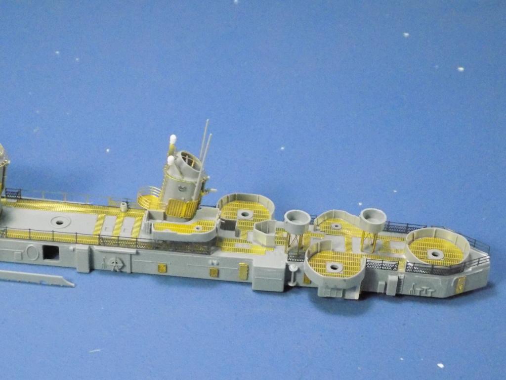 USS Gearing DD-710 1945 Dragon 1/350ème - Page 2 Dscn1530