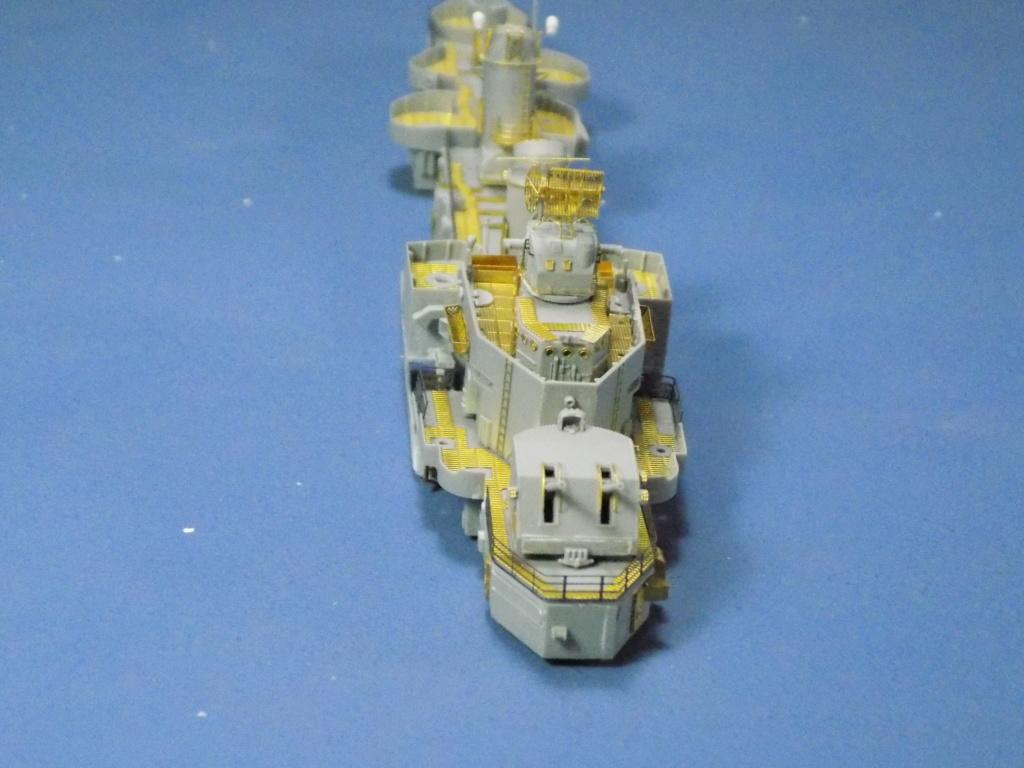 USS Gearing DD-710 1945 Dragon 1/350ème - Page 2 Dscn1531