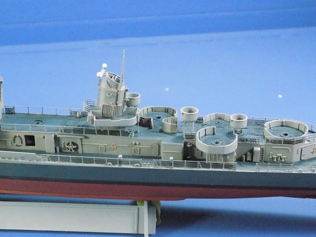 USS Gearing DD-710 1945 Dragon 1/350ème - Page 3 Dscn1548