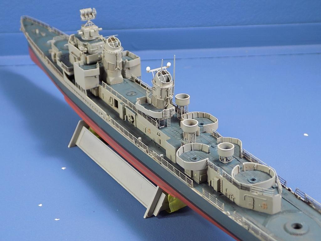 USS Gearing DD-710 1945 Dragon 1/350ème - Page 3 Dscn1553