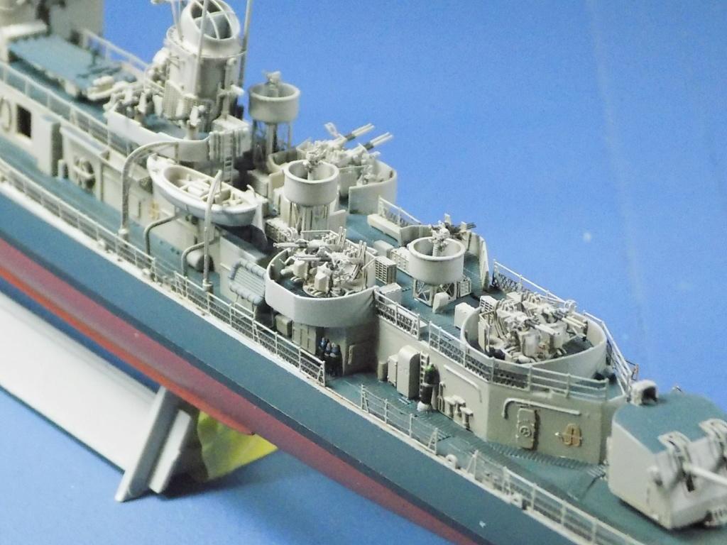 USS Gearing DD-710 1945 Dragon 1/350ème - Page 3 Dscn1569