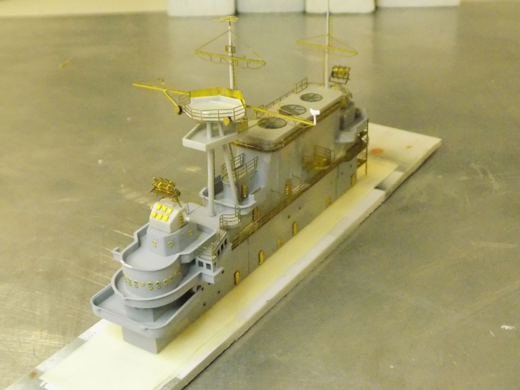 "USS HORNET CV-8 ""Raid on Tokyo"" 1/350 de Trumpeter - Page 8 Dscn1714"