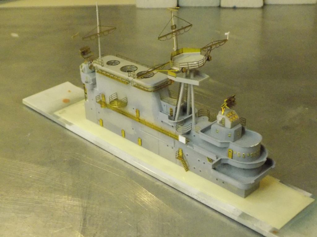 "USS HORNET CV-8 ""Raid on Tokyo"" 1/350 de Trumpeter - Page 8 Dscn1715"
