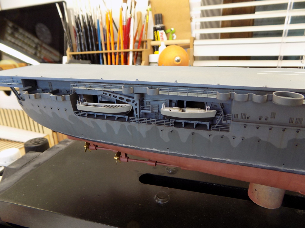 "USS HORNET CV-8 ""Raid on Tokyo"" 1/350 de Trumpeter - Page 9 Dscn1724"