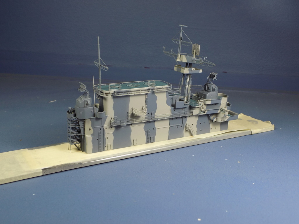 "USS HORNET CV-8 ""Raid on Tokyo"" 1/350 de Trumpeter - Page 10 Dscn1737"