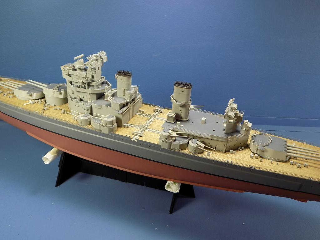 HMS DUKE OF YORK Tamiya 1/350 + Kit Pontos - Page 4 Dscn1838