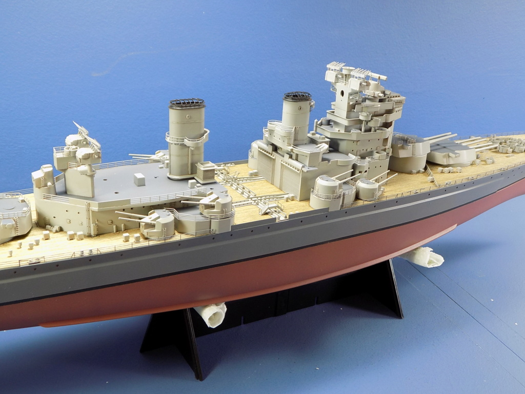 HMS DUKE OF YORK Tamiya 1/350 + Kit Pontos - Page 4 Dscn1841