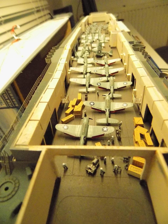 "USS HORNET CV-8 ""Raid on Tokyo"" 1/350 de Trumpeter - Page 12 Dscn1931"