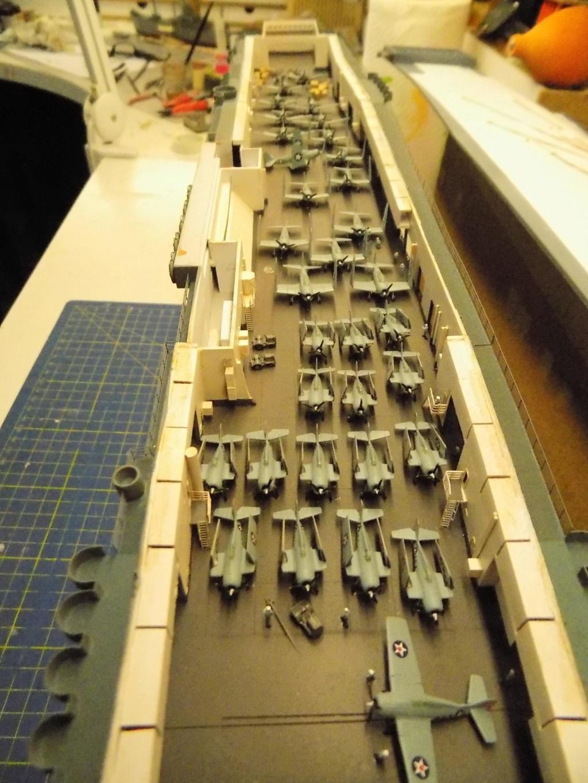 "USS HORNET CV-8 ""Raid on Tokyo"" 1/350 de Trumpeter - Page 12 Dscn1932"