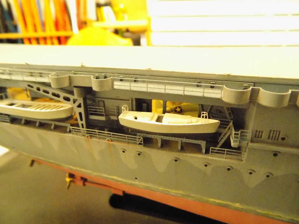 "USS HORNET CV-8 ""Raid on Tokyo"" 1/350 de Trumpeter - Page 14 Dscn1954"