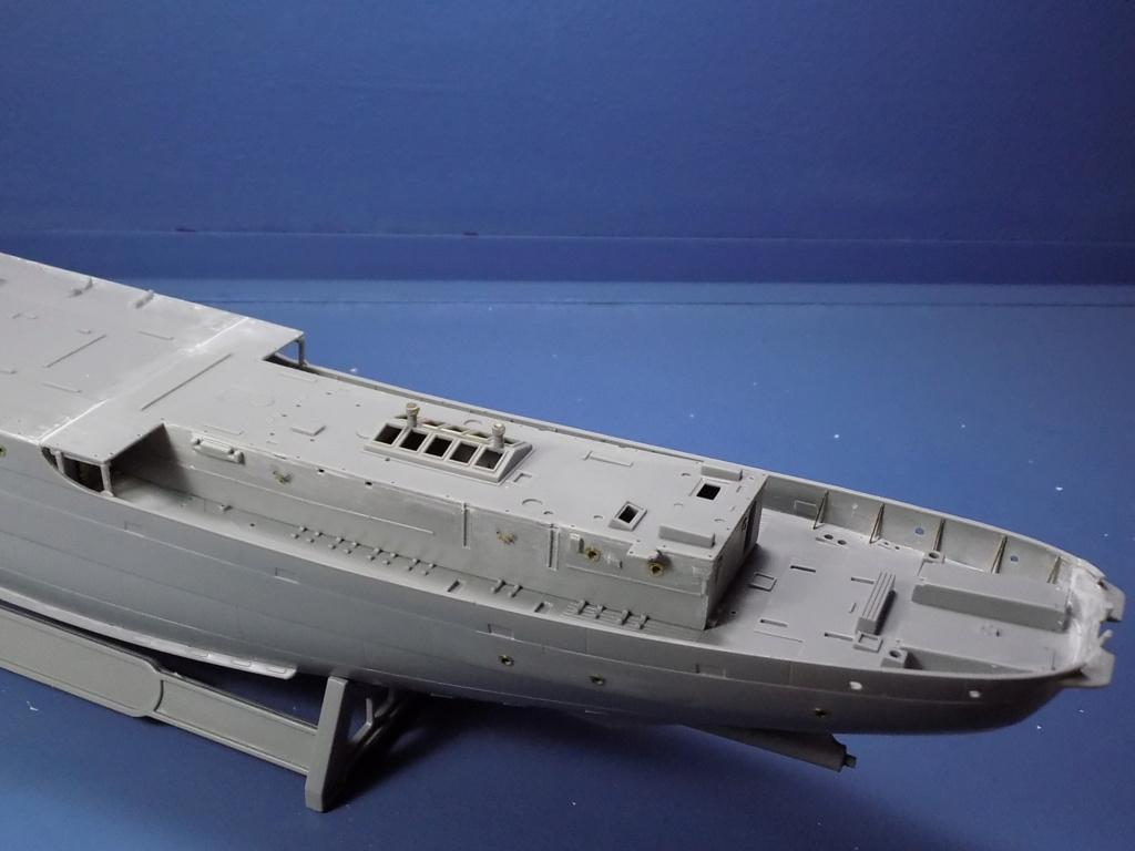 HMS Buttercup frégate belge de la class Flower au 1/144 de Revell Dscn1967