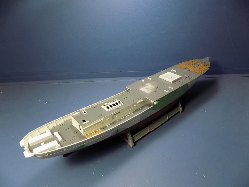 HMS Buttercup frégate belge de la class Flower au 1/144 de Revell - Page 2 Dscn1973