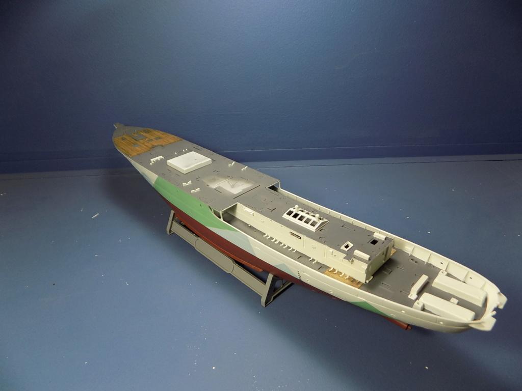 HMS Buttercup frégate belge de la class Flower au 1/144 de Revell - Page 2 Dscn1974